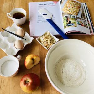 Schneller Apfelkuchen aus Groß & Fett